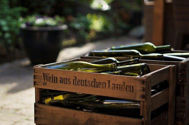 How Many Wine Bottles in a Case